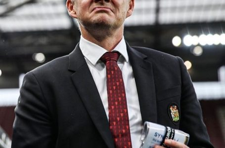 Football: United's Solksjaer flirting with the hot seat
